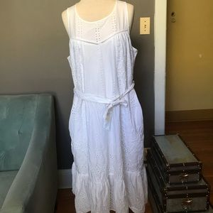 Gap white eyelet dress with pockets medium